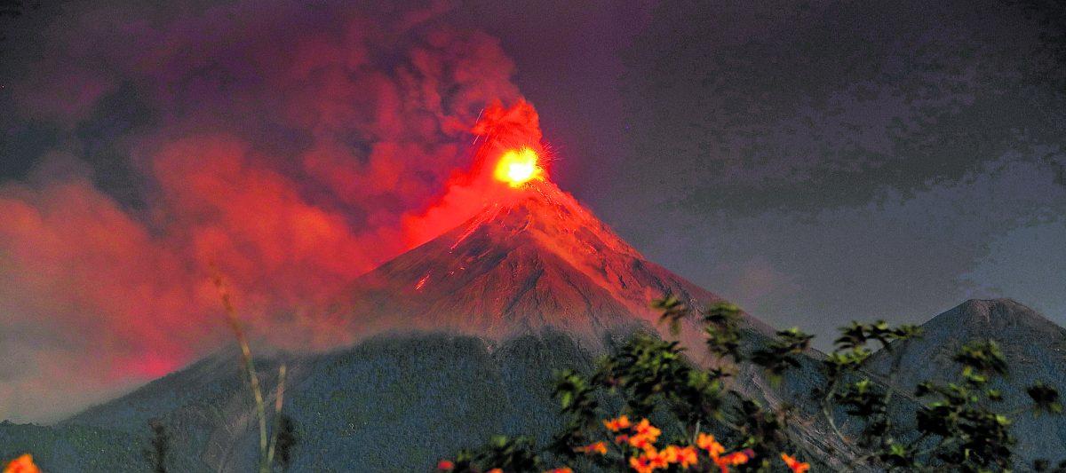 Estos son los 3 volcanes más peligrosos del país, en cuyas faldas viven miles de personas