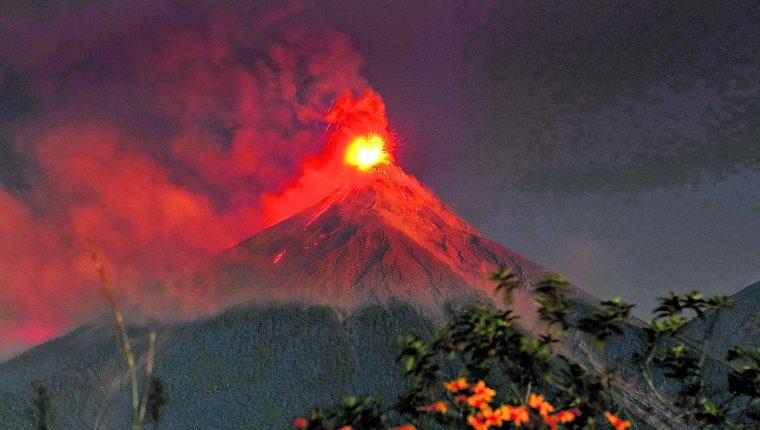 El Volcán de Fuego es uno de los más activo del país. (Foto Hemeroteca PL)