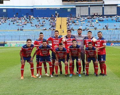 Xelajú dio de baja a seis jugadores este torneo. Se buscará llevar el mismo número de incorporaciones, hasta el momento se llevan cuatro nuevos jugadores. (Foto Prensa Libre: Raúl Juárez)
