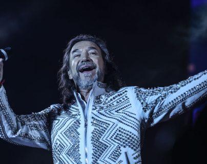 Durante dos noches consecutivas, Marco Antonio Solís le cantó a los guatemaltecos en Cardales de Cayalá. (Foto Prensa Libre: Keneth Cruz)