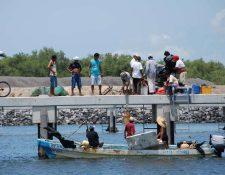 El soldado cuidaba la dársena pesquera de Champerico cuando ocurrió el incidente. (Foto Prensa Libre: Hemeroteca PL)