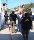 Bayron Cruz Vargas fue detenido en Cobán, Alta Verapaz señalado de asesinar a su compañero en Maryland, EE. UU., dicho país lo requiere       en extradición. (Foto Prensa Libre: Mingob)