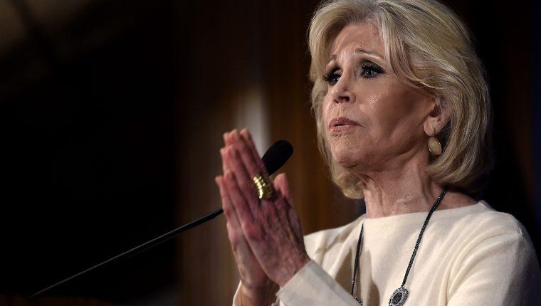 Jane Fonda es llevada nuevamente a prisión. (Foto Prensa Libre: Olivier Douliery / AFP)
