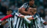 Monterrey's Rogelio Funes Mori (C) celebrates withe teammates after scoring against America during the Mexican Apertura 2019 tournament first leg final football, match at the BBVA Bancomer stadium in Monterrey, Mexico, on December 26, 2019. (Photo by Julio Cesar AGUILAR / AFP)