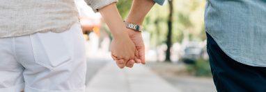 El reto de estar en pareja es saber avanzar juntos respetando el desarrollo de la otra persona. (Foto Prensa Libre: Servicios).