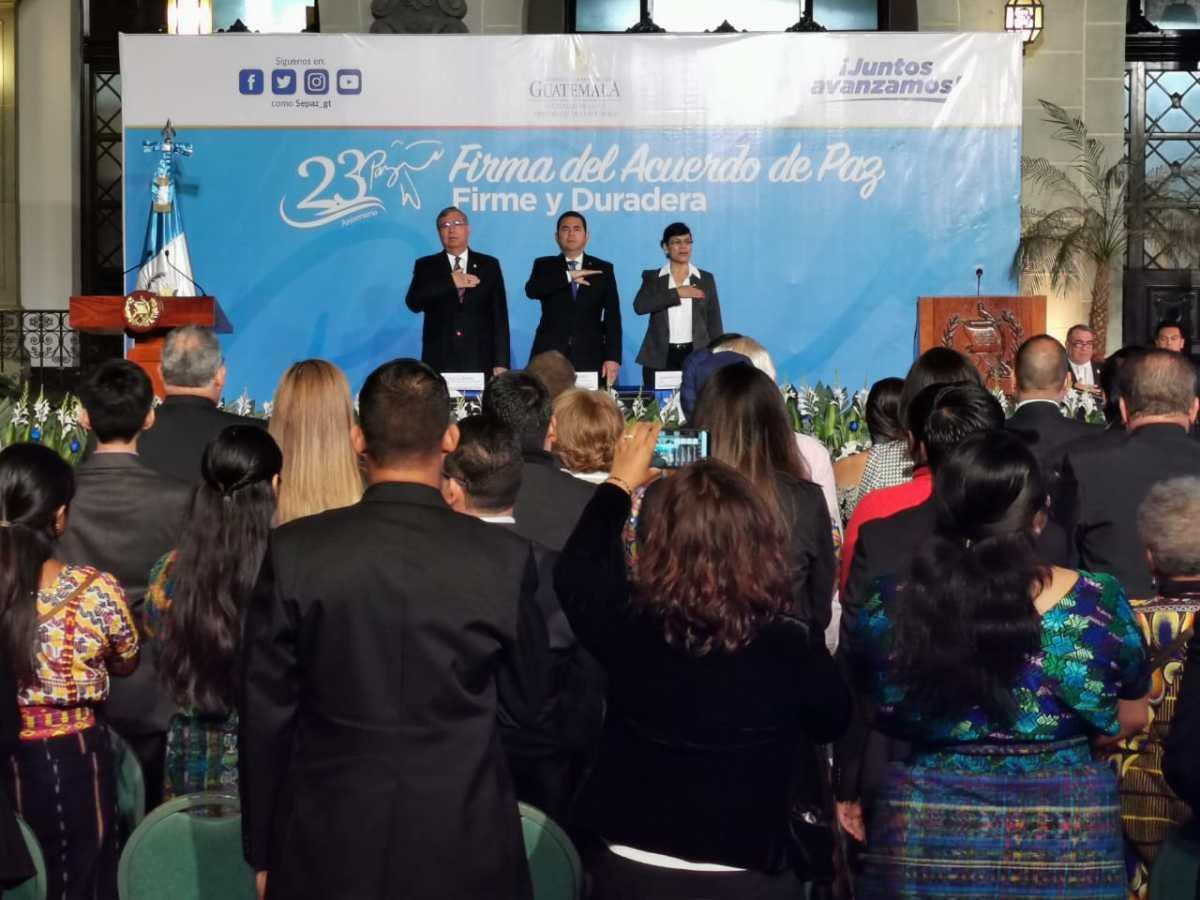 """Morales dice que superaron """"las amenazas nacionales e internacionales"""" durante el 23 aniversario de la firma de paz"""