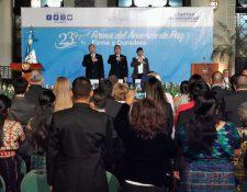 El presidente Jimmy Morales brindó un discurso durante el aniversario de la firma de los Acuerdos de Paz. (Foto Prensa Libre: María René Barrientos)