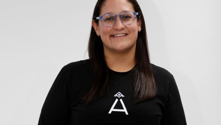 María Alejandra Ceballos es una de las fundadoras de Moda País, que tiene como objetivo posicionar al país como un agente de diseño e innovación en el mundo de la moda. (Foto Prensa Libre: Keneth Cruz)