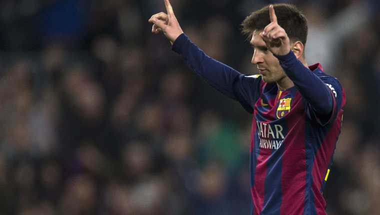 Leo Messi celebra el éxito del Barcelona. (Foto Prensa Libre: EFE)