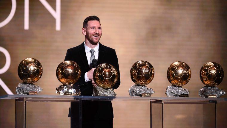 El delantero argentino Lionel Messi obtuvo su sexto Balón de Oro, galardón que corona al mejor jugador del mundo. (Foto Prensa Libre: AFP)
