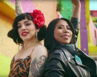 Yalitza Aparicio es la actriz invitada que participa en un videoclip oficial de Mon Laferte. (Foto Prensa Libre: YouTube Mon Laferte)