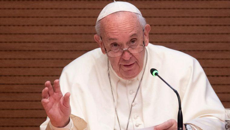 El papa Francisco levanta el secreto pontificio sobre agresiones sexuales. (Foto Prensa Libre: AFP)