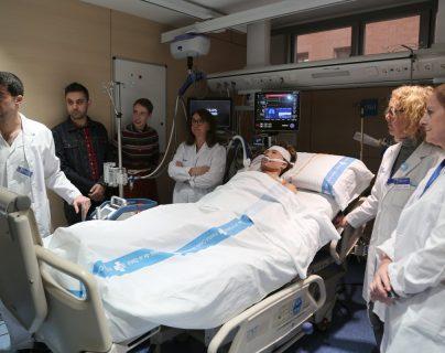 """Audrey Mash, de 34 años, reconoció que está vida gracias a un """"milagro"""".  (Foto Prensa Libre: Tomada de twitter.com/vallhebron)"""