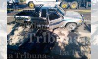 El director de la cárcel al parecer fue bajado del carro y ultimado a balazos. (Foto tomada de La Tribuna)
