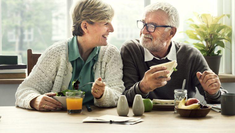 Ocupe su tiempo con actividades productivas. ¡Conserve una actitud positiva! (Foto Prensa Libre: Servicios).