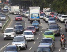 El tránsito ha disminuido en la ciudad de Guatemala en comparación con día hábil. (Foto Prensa Libre: Hemeroteca PL).
