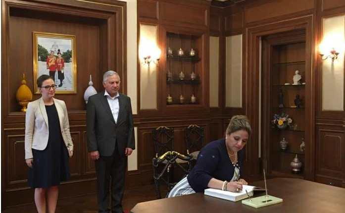 La canciller Sandra Jovel viajó para la apertura de nuevas embajadas. (Foto Prensa Libre: AGN)