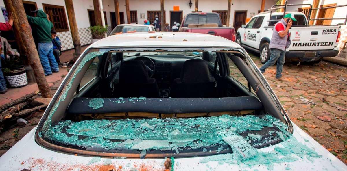 Comando irrumpe en pleno convivio navideño y ejecuta a alcalde mexicano y a su síndico