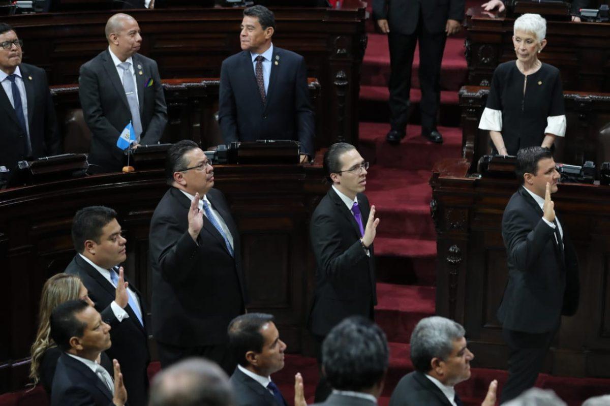 Guatemaltecos critican la conformación de la junta directiva del Congreso