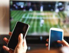"""Ante la sobreestimulación por el uso constante de pantallas, algunos en Silicon Valley proponen """"limitar la dopamina"""". AFP"""