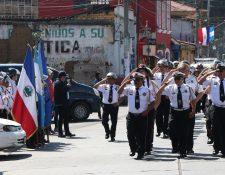 Para celebrar el 59 aniversario la institución de socorro organizó un desfile por las principales calles de Quetzaltenango. (Fotos Prensa Libre: Raúl Juárez)