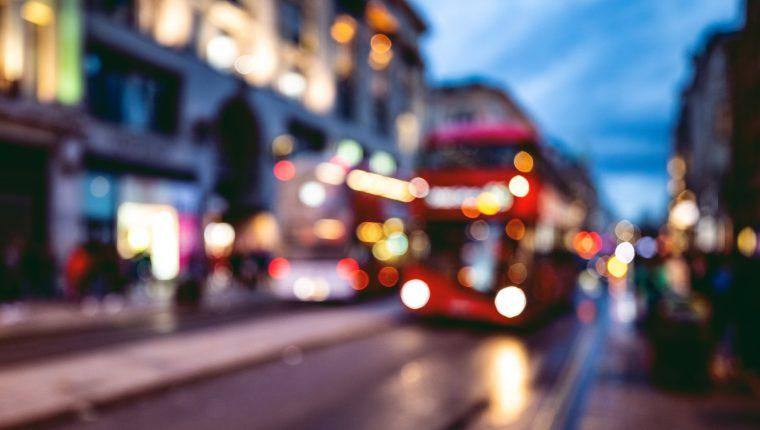 Sunny encontró refugio en las rutas nocturnas de los autobuses de Londres durante dos décadas.