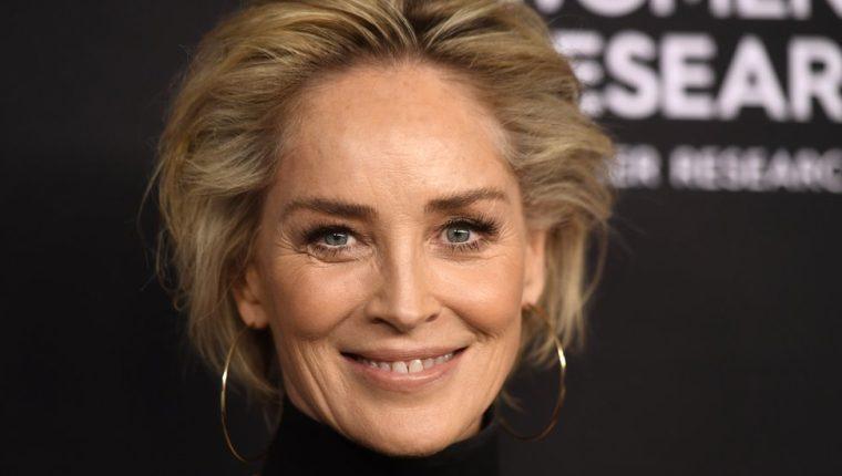 Sharon Stone busca pareja en Internet.