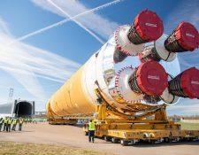 La primera etapa del cohete SLS salió de la fábrica en Nueva Orleans.