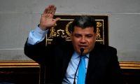 Parra y otros diputados opositores fueron señalados en un reportaje del portal Armando.info por su presunta participación en una trama de corrupción vinculada a los CLAP, el programa de alimentos subsidiados del Gobierno de Nicolás Maduro.