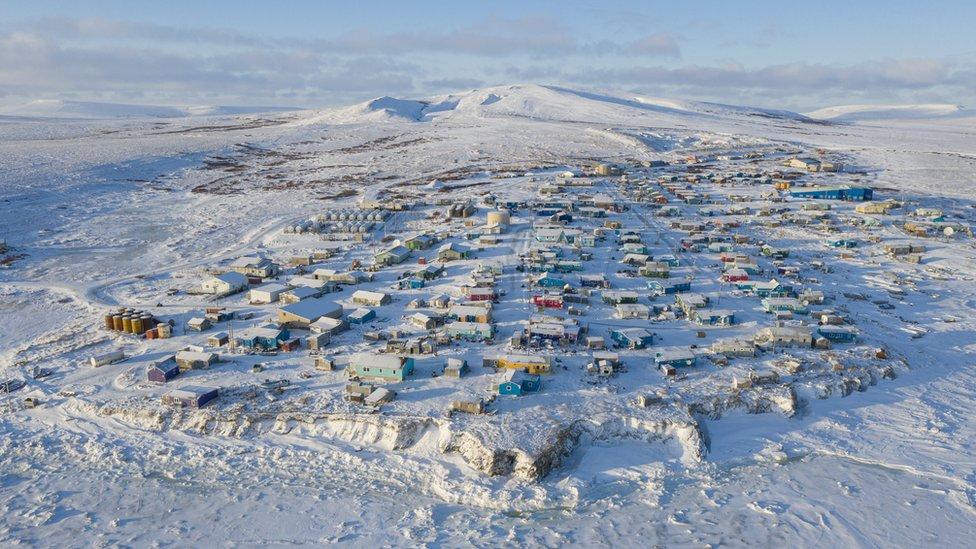 Censo en Estados Unidos: la curiosa razón por la que el conteo de la población del país empieza en una remota aldea de Alaska