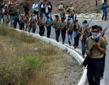 19 niños indígenas de entre 6 y 15 años marcharon con armas y están siendo entrenados por una policía comunitaria de Guerrero. EL SUR DE GUERRERO