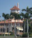 El resort Mar-a-Lago del presidente Donald Trump, quien mencionó que se mudará de Nueva York y hará de Palm Beach, Florida, su residencia permanente. (Foto Prensa Libre: AFP)