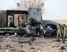Restos del avión ucraniano derribado por misiles de Irán. (Foto Prensa Libre: EFE).