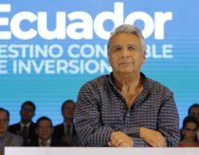 """Fotografía cedida por SECOM que muestra al presidente de Ecuador, Lenín Moreno, mientras expone este viernes su interpretación del """"acoso sexual"""", en Guayaquil (Ecuador). (Foto Prensa Libre: EFE)"""