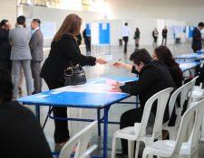 Los abogados votaron para elegir a su representante ante la Comisión de Postulación para la elección de magistrados del TSE. (Foto Prensa Libre: Carlos Hernández Ovalle)