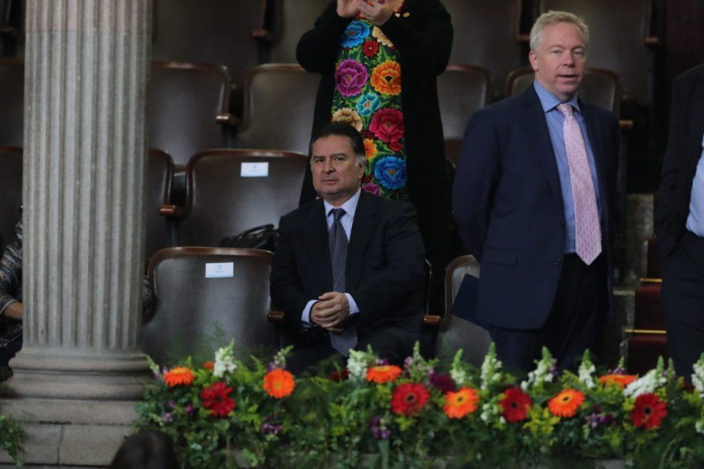 El ex presidente de Guatemala, Alfonso Portillo, estuvo presente en el palco de diplomáticos. Foto Prensa Libre: Érick Ávila