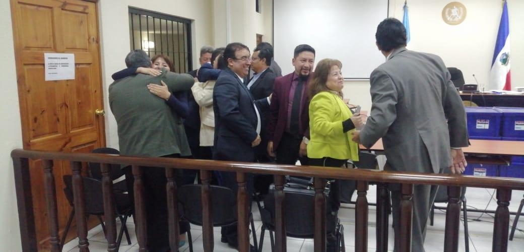 Xela: Exalcalde Rolando Barrientos y exconcejales quedan libres en caso de corrupción