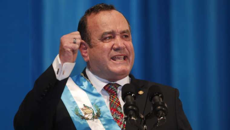 Alejandro Giammatte, durante el discurso de toma de posesión del cargo de presidente de la República. (Foto Prensa Libre: Esbin García)
