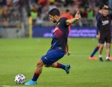 El delantero uruguayo del FC Barcelona, Luis Suárez, se recupera de una operación. (Foto Prensa Libre: AFP)