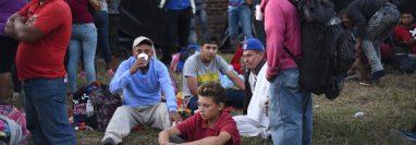 Hondureños en la Casa del Migrante de la capital. (Foto Prensa Libre: Hemeroteca PL)
