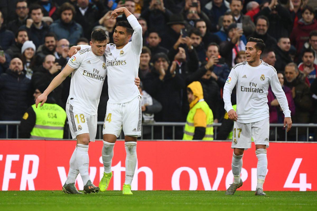 Casemiro logra un doblete y ofrece el liderato al Real Madrid