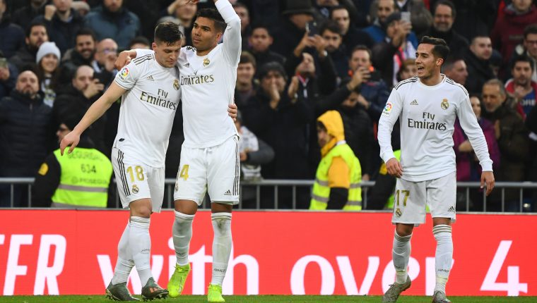 Casemiro celebra uno de los goles del Real Madrid frente al Sevilla. (Foto Prensa Libre: APF).