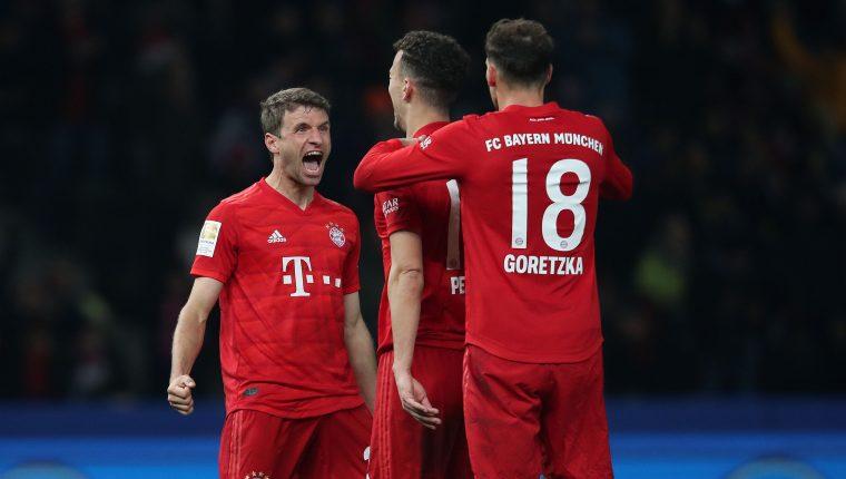 Jugadores del Bayern Munich celebran el triunfo de su equipo. (Foto Prensa Libre: AFP)