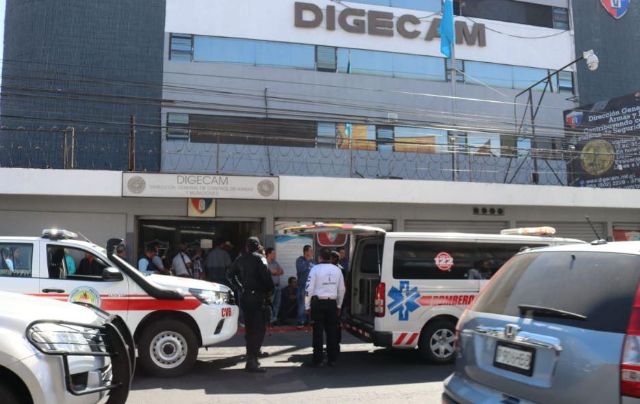Cinco personas resultan heridas cuando arma se accionó accidentalmente