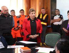 María Paz entregó un informe al Concejo de Quetzaltenango y solicitó desocupar el terreno de la zona 6. (Foto Prensa Libre: Raúl Juárez)