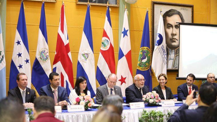 Los ministros de Economía de Centroamérica, finalizaron en julio del 2019 las negociaciones del Acuerdo Comercial con el Reino Unido. (Foto Prensa Libre: Cortesía Mineco).