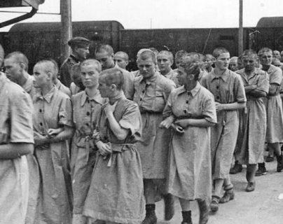 El Borussia Dortmund participó en la conmemoración de los 75 años de la liberación de Auschwitz. (Foto Prensa Libre: Redes)