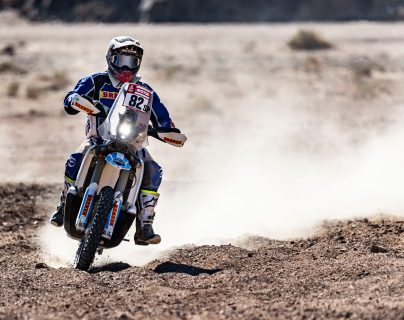 Francisco Arredondo sigue realizando un buen Rali Dakar 2020, lo que le ha permitido seguir subiendo puestos en la clasificación general en la categoría motocicletas. Foto Prensa Libre: Cortesía.