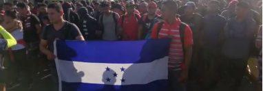 Miles de migrantes se mantienen en la frontera Sur de México. (Foto Prensa Libre: Mynor Toc)