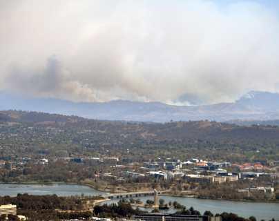 Declaran estado de Emergencia en Canberra; el fuego llega a la capital australiana